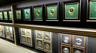 Goldene Platten und