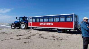 Mit dem Sandwurm fahren wir zu der Stelle
